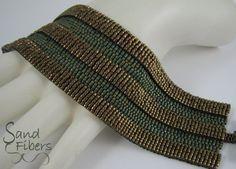 Arquitectura antigua pulsera de brazalete de Peyote por SandFibers