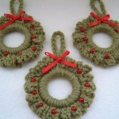 Free Christmas Crochet Patterns ❥Teresa Restegui http://www.pinterest.com/teretegui/❥