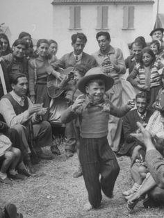 French Gypsies... celebration | dancing | gypsy life | www.republicofyou.com.au