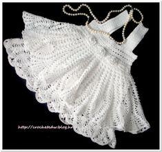 Bello vestido de nina a crochet