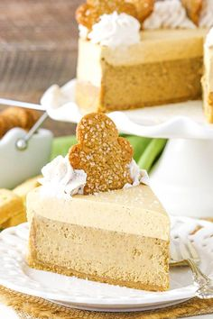 This Gingerbread Cheesecake has a shortbread crust, gingerbread cheesecake filling & molasses mousse topping! Perfect easy dessert recipe for the holidays! Holiday Baking, Christmas Desserts, Christmas Treats, Xmas Food, Christmas Baking, Easy Desserts, Dessert Recipes, Gingerbread Cheesecake, Molasses Recipes