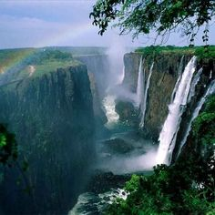 Air Terjun Victoria Falls, The waterfall is located on the Zambezi River , which at this point forms the border between Zambia and Zimbabwe, South Africa. Places To Travel, Places To See, Hidden Places, Chutes Victoria, Beautiful World, Beautiful Places, Amazing Places, Beautiful Scenery, Beautiful Boys