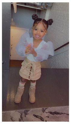 Cute Mixed Babies, Cute Black Babies, Beautiful Black Babies, Mix Baby Girl, Cute Baby Girl, Cute Little Girls Outfits, Kids Outfits Girls, Cute Kids Fashion, Baby Girl Fashion