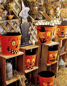 Simply Suzanne's AT HOME: Halloween decorating . . .