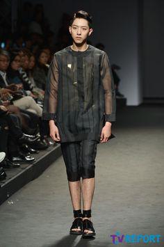 Jungshin models for  송지오 (SONGZIO) 2015 S/S Collection @ Seoul Fashion Week #sfw #seoulfashionweek #서울패션위크