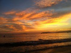 Amanhecer em Floripa, SC, sul do país. Dentre suas belezas naturais: montanhas, mata atlântica, baías, enseadas, praias, lagoas, dunas, manguezais e restingas.