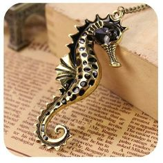 HelloLucy Boutique Jewelry - ⭐HP⭐SALE⭐Sea horse pendant long necklace.