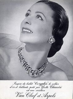 Van Cleef & Arpels High Jewelry — Images and vintage original prints Jewelry Ads, Old Jewelry, High Jewelry, Vintage Jewelry, Jewellery, Van Cleef Arpels, Pub Vintage, Vintage Stuff, Francoise Hardy