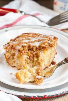 GF With use of gf flour! This amazing Banana Crumb Cake has a crunchy brown sugar crumb topping and ultra moist cinnamon banana cake. Banana Crumb Cake, Hot Milk Cake, Cake Recipes, Dessert Recipes, Beans Recipes, Picnic Recipes, Coffee Cake, Let Them Eat Cake, Just Desserts