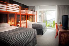 Browse some photos of South Lake Tahoe & Basecamp hotel! Our hotel is ideally located right near the Nevada border in Tahoe. Make your reservations today! Bunk Beds With Stairs, Kids Bunk Beds, Loft Beds, Design Hotel, Lago Tahoe, Modern Bunk Beds, Bunk Rooms, Bunk Bed Designs, Bedroom Designs