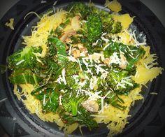 I'm Living the Good Life: 100 Calorie Meal ~ spaghetti squash, kale, and more!