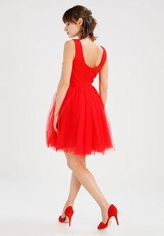 Robes de soirée Chi Chi London Petite NELE - Robe de soirée - red rouge: 40,00 € chez Zalando (au 04/02/18). Livraison et retours gratuits et service client gratuit au 0800 915 207.