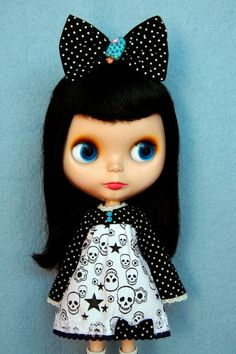 Handmade Dots and Skulls outfit set for Blythe Doll by by knitmad, SO ADORABLE!!!!