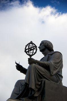 Nikolai Kopernik    Statue of the Polish scientist and founder of modern astronomy outside  of the Adler Planetarium.