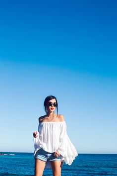 Godon's Bay - Nicole Warne wear Indah Off The Shoulder Dress / Camilla and Marc Shorts / Jacquie Aiche Snake Ring / Karen Walker Glasses Gary Pepper Girl, Nicole Warne, Look Chic, Long Hoodie, Festival Fashion, Pretty Outfits, Spring Summer Fashion, Style Me, Personal Style