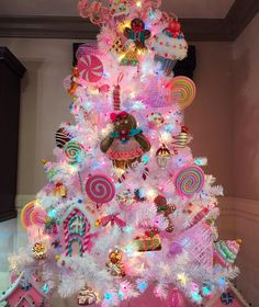This candyland tree is life This candyland tree is life – Christmas – Noel 2020 ideas Candy Land Christmas, Candy Christmas Decorations, Grinch Christmas, Christmas Tree Themes, Christmas Holidays, Christmas Shopping, Rainbow Christmas Tree, Gingerbread Christmas Tree, Girly Christmas Tree