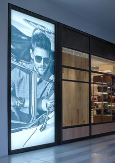 Optima LED StretchLite Light Box creates arresting and compelling merchandise displays with tension-fabric graphics.