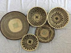 6 African decorating baskets / home decor wicker basket / French home decor Basket Weaving, Hand Weaving, Wicker Baskets, Woven Baskets, French Home Decor, Basket Decoration, Traditional Wedding, Storage Baskets, Decorating Baskets