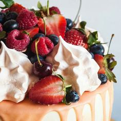 Non mangiate nessuna cosa che la vostra bisnonna non avrebbe riconosciuto come cibo. (Michael Pollan) --- @yulka_panda #fruits