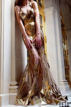 ROBERT ABI NADER Couture Frühlingszeit warme Jahreszeit 2019 You are in the right place about Runway Fashion models Here we offer you the most beautiful pictu Style Couture, Couture Fashion, Runway Fashion, Fashion Models, Fashion Outfits, Dress Fashion, Couture 2015, High Fashion Dresses, Pink Fashion