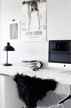 Zwart, wit en pasteltinten sieren dit stijlvolle huis - Roomed | roomed.nl
