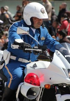 Hot Policemen in Uniform Police Cops, Police Officer, Fat Man, Male Poses, Overwatch, Riding Helmets, Motorcycle Jacket, Mens Fashion, Guy Fashion