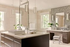 Stunning bathroom, great free-standing double-sided vanity (Designer Leslie Fine Interiors, Inc.)