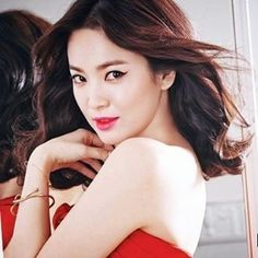 I want her skin  #songhyekyo #laneige #skincare #korea #korean #photoshoot #kdrama #beautiful #kpop #rain #red #hanjieun #fullhouse #dotS #songsong #cute #showbizkorea #love