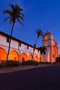 USA, California, Southern California, Santa Barbara, Mission Santa Barbara, dawn