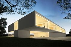 CASA CONDE ORGAZ Minimal Architecture, Sustainable Architecture, Residential Architecture, Amazing Architecture, Contemporary Architecture, Architecture Design, Villa Luxury, Modern Contemporary Homes, Concrete Houses