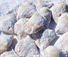 Pastéis de Arroz; Açores, Portugal Portuguese Desserts, Portuguese Recipes, Portuguese Food, Learn Brazilian Portuguese, Soul Food, Allrecipes, Recipies, Deserts, Dessert Recipes