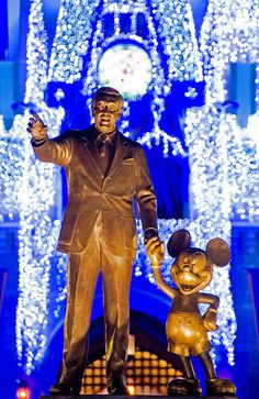 Plan when to visit Walt Disney World by looking at these seasonal events!
