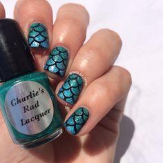 Mermaid scale nails