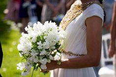 bouquet champêtre pour cérémonie laïque biarritz, photo Studio PLP, par A Fleur et à Mesure Votre agence d'organisation de mariage dans le Sud-Ouest www.mariagedanslair.fr