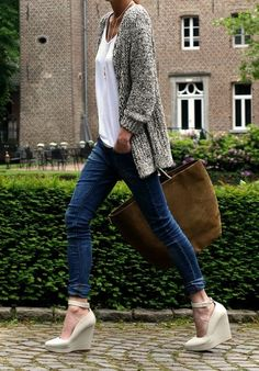 fall outfit... platforms, cuffed denim, chunky knit sweater