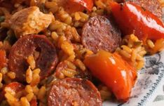 Paella de Pollo y Chorizo - Paella with Chicken and Chorizo Chicken And Chorizo Paella Recipe, Spanish Paella Recipe, Chorizo Recipes, Chicken Recipes, Seafood Recipes, Creme Caramel, Authentic Spanish Recipes, Wine Recipes, Cooking Recipes