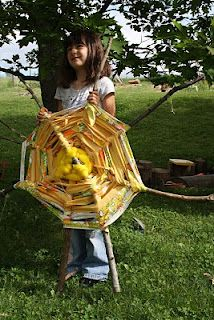Twig and Toadstool: Here Comes the Sun Week!!! Let's Weave a Giant Sun!!!