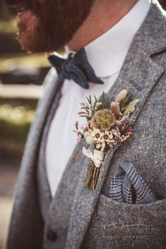 15 fabulous winter buttonholes attireforwedding the buttonhole is the final flourish in the grooms look its the little detail that packs a punch and ties his look to the bride and her bouquet we love 19 ideas wedding suits men blue navy classy wedding Vintage Wedding Suits, Rustic Wedding Suit, Wedding Men, Wedding Attire, Dream Wedding, Grey Tweed Wedding Suit, Diy Wedding, Best Man Outfit Wedding, Grey Suit Groom