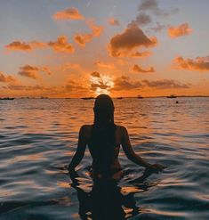 Idéias de fotos - Foto-Ideen - Source by gtreutelwunsch outfits summer sea Beach Foto, Cute Beach Pictures, Beach Sunset Pictures, Florida Pictures, Beautiful Pictures, Photographie Portrait Inspiration, Shotting Photo, Poses Photo, Beach Poses