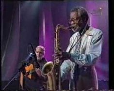 JOE HENDERSON (1937-2001) quizás sea el saxofonista tenor mas importante del jazz surgido tras la estela de John Coltrane y Sonny Rollins. Durante su juventud, el saxofonista mantuvo una actividad constante y de resultados brillantes en formaciones y grupos muy sólidos y diversos como cuando estuvo con el pianista, Herbie Hancock, o Donald Byrd.  http://www.apoloybaco.com/jazz/index.php?option=com_content=article=2168=89