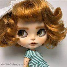 Un preferito personale dal mio negozio Etsy https://www.etsy.com/it/listing/595159055/ooak-custom-blythe-doll-fake-evelin