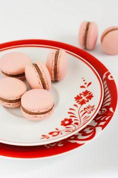 Csokoládés macaron recept - Kifőztük, online gasztromagazin Macarons, Panna Cotta, Ethnic Recipes, Food, Cookies, Food Food, Dulce De Leche, Macaroons, Meals