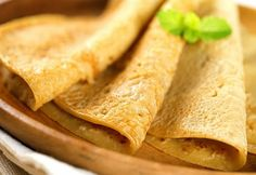 Receita de crepioca vegana, com recheio de banana com melado!   Ingredientes da massa   2 colheres (sopa) de goma de tapioca  2 colheres (so...