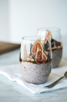 (vegan, paleo) Blueberry Chia Pudding with Figs, Hazelnuts and Maple Syrup. A delicious, crunchy, sweet and elegant chia breakfast pudding.