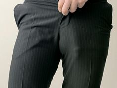 bulge bulge bulge Yumm Na Bulge penis love gay hot men twinks hunks sports straight dudes husband boxers speedo underwear tightly-whities briefs locker room Sartorialist, Tights Outfit, Guys Be Like, Suit And Tie, Well Dressed Men, Business Fashion, Business Style, Male Body, Mens Suits