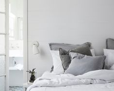 Dream stay: the bower, byron bay hygge - scandinavian decor Soft Grey Bedroom, Bedroom Black, Bedroom Green, Master Bedroom, Bedroom Decor, Bedroom 2017, Bedroom Inspo, Bedroom Ideas, Feng Shui