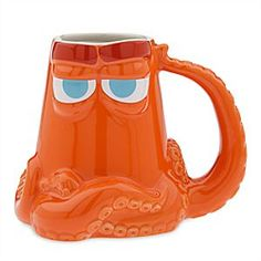 With all the suction cups on his tentacles, Hank will certainly be able to get to grips with your thirst. Styled in the shape of the brightly colored octopus from <i>Finding Dory</i>, this colorful Hank mug will never be hard to find.