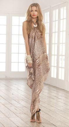 Women's fashion Sumptuous neutral printed maxi dress with oversize bracelets Latest fashion trends Fashion Mode, Look Fashion, High Fashion, Womens Fashion, Fashion Trends, Brown Fashion, Latest Fashion, Fashion Inspiration, Women's Dresses