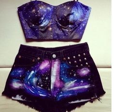 Galaxy outfit this is so cool Edm Outfits, Teen Fashion Outfits, Outfits For Teens, Summer Outfits, Galaxy Outfit, Galaxy Shorts, Jupe Short, Galaxy Fashion, Vetement Fashion