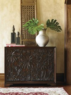Carved Palm Tree Chest Tommy Bahama Home Coastaldesign Tropicalchest